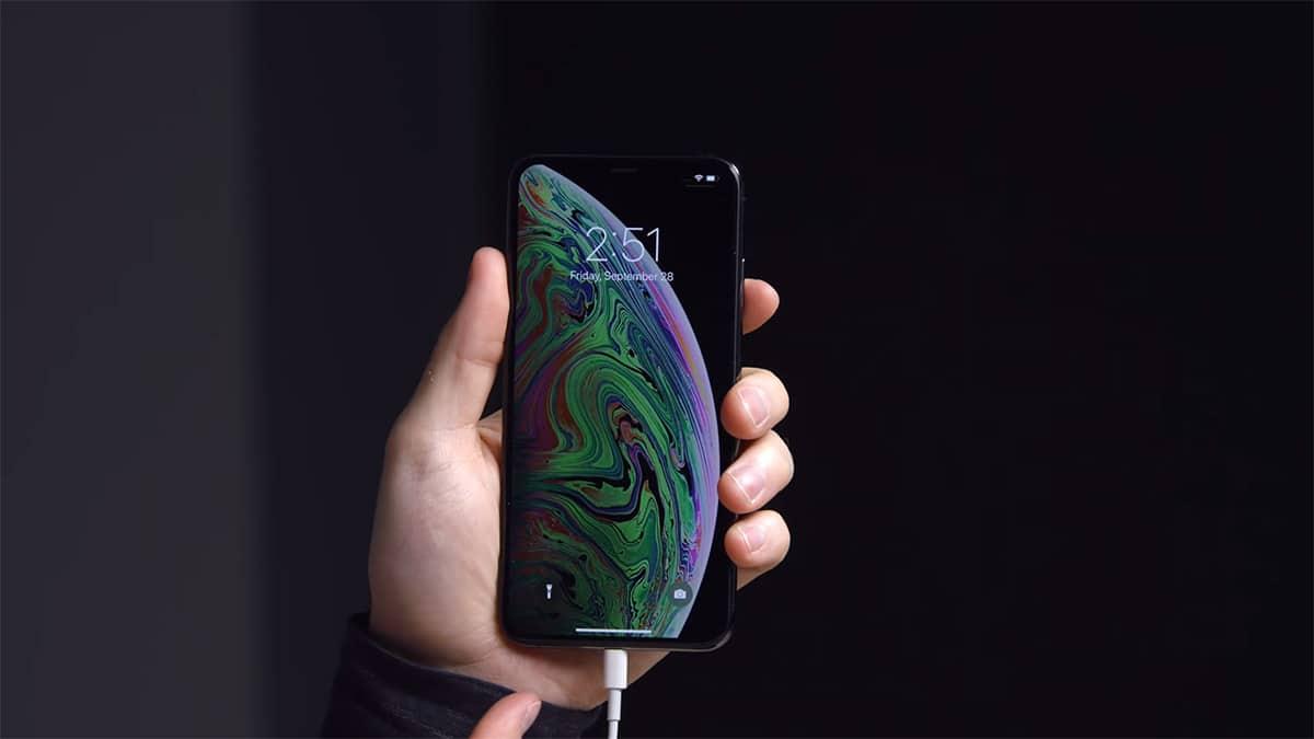 Επισκευή βάσης σύνδεσης σε iPhone XS Max