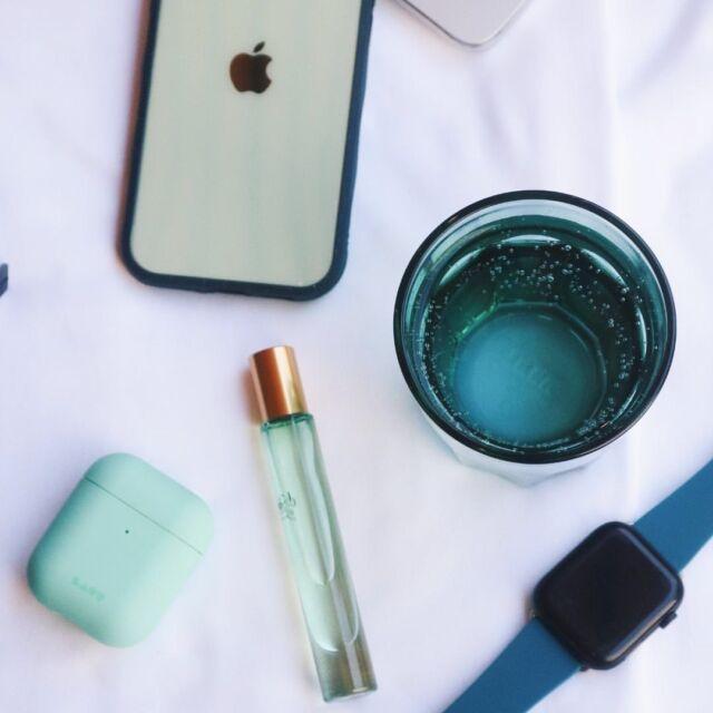 Δευτέρα και … into the blues; Ξεκινάμε δυναμικά την εβδομάδα με ό,τι μας φτιάχνει τη διάθεση. Ακόμη κι αν είναι μικρά αξεσουάρ τεχνολογίας σε μπλε αποχρώσεις 😉 📸 @itslaut #mobilecase #caseiphone #casesamsung #thefixersgr #wefixitall #ολαφτιαχνονται #techaccessories #techgadgets #techguru #techsavvy #techsupport #techrescue #techlover #techtrends #tech #techgeek #itslaut #airpodcases #applewatchstrap #caseairpods